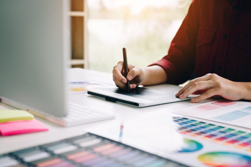 hiring a graphic designer | arcadia report by arcadia brands